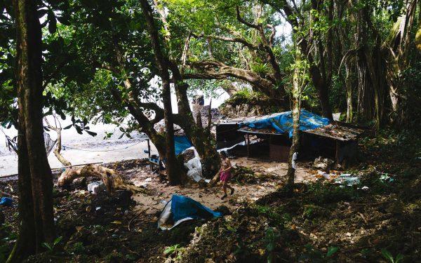 колиба на необитаем остров